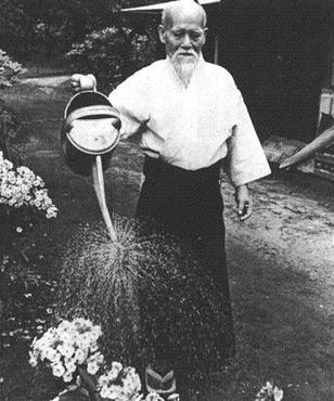 http://www.aikido-emmendingen.de/uploads/pics/aikido-begruender_o-sensei-morihei-ueshiba-2.jpg